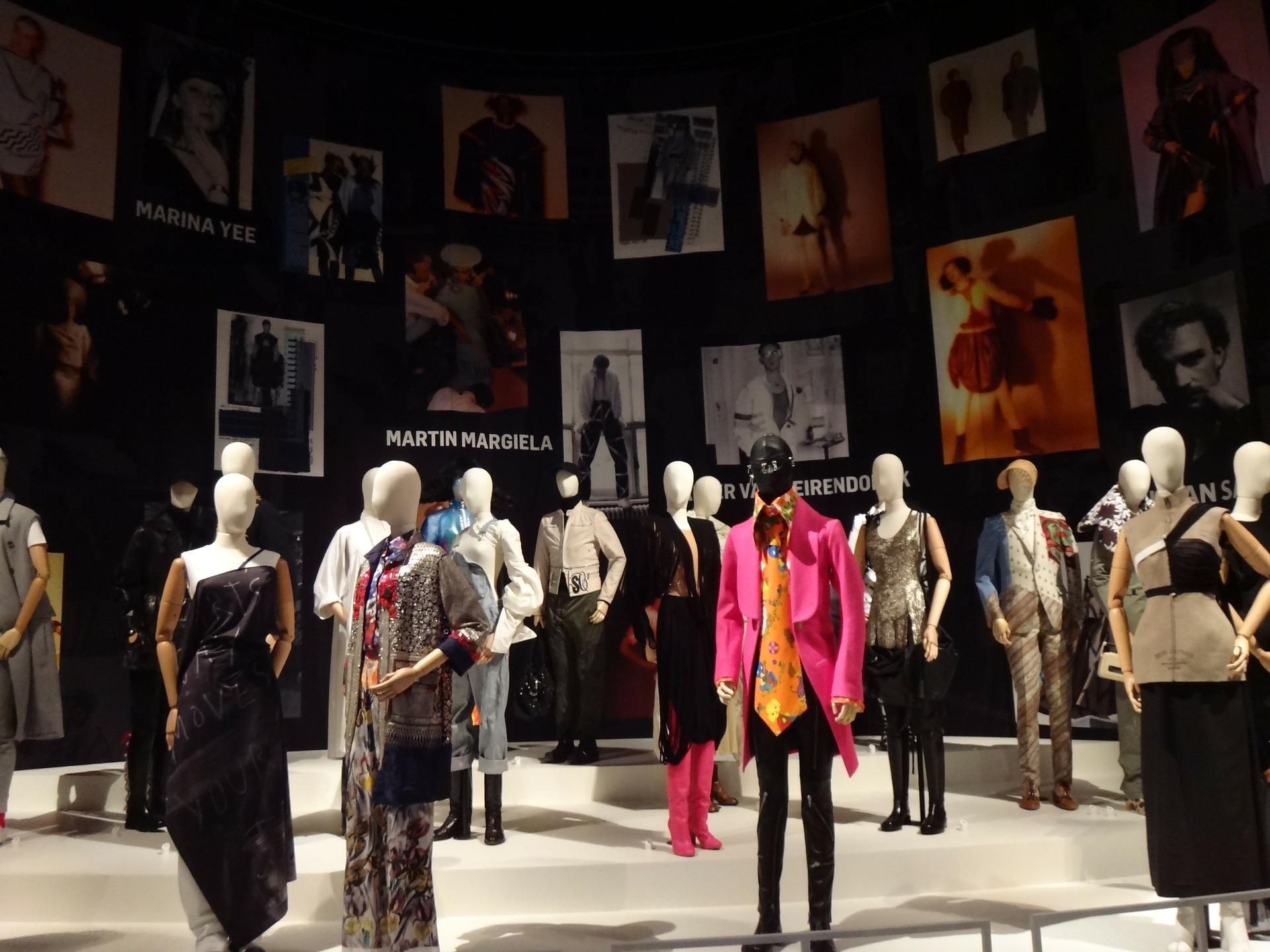 exhibition-270965_1920